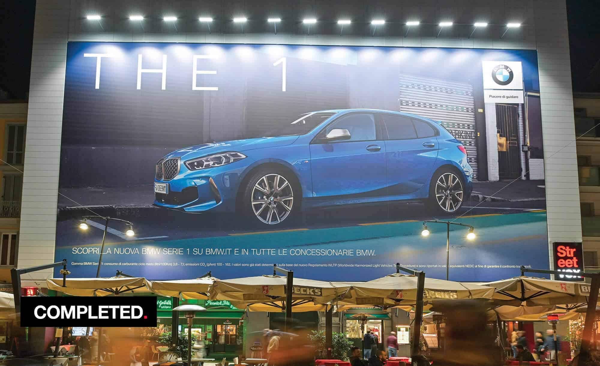 Maxi Affisione a Milano in Corso Como 6 con BMW (Automotive)