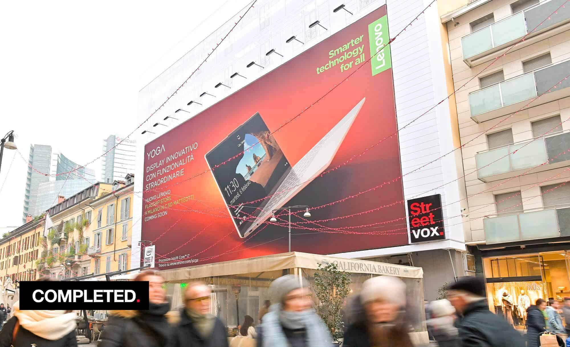 Maxi Affisione a Milano in Corso Como 6 con Lenovo (Technology)