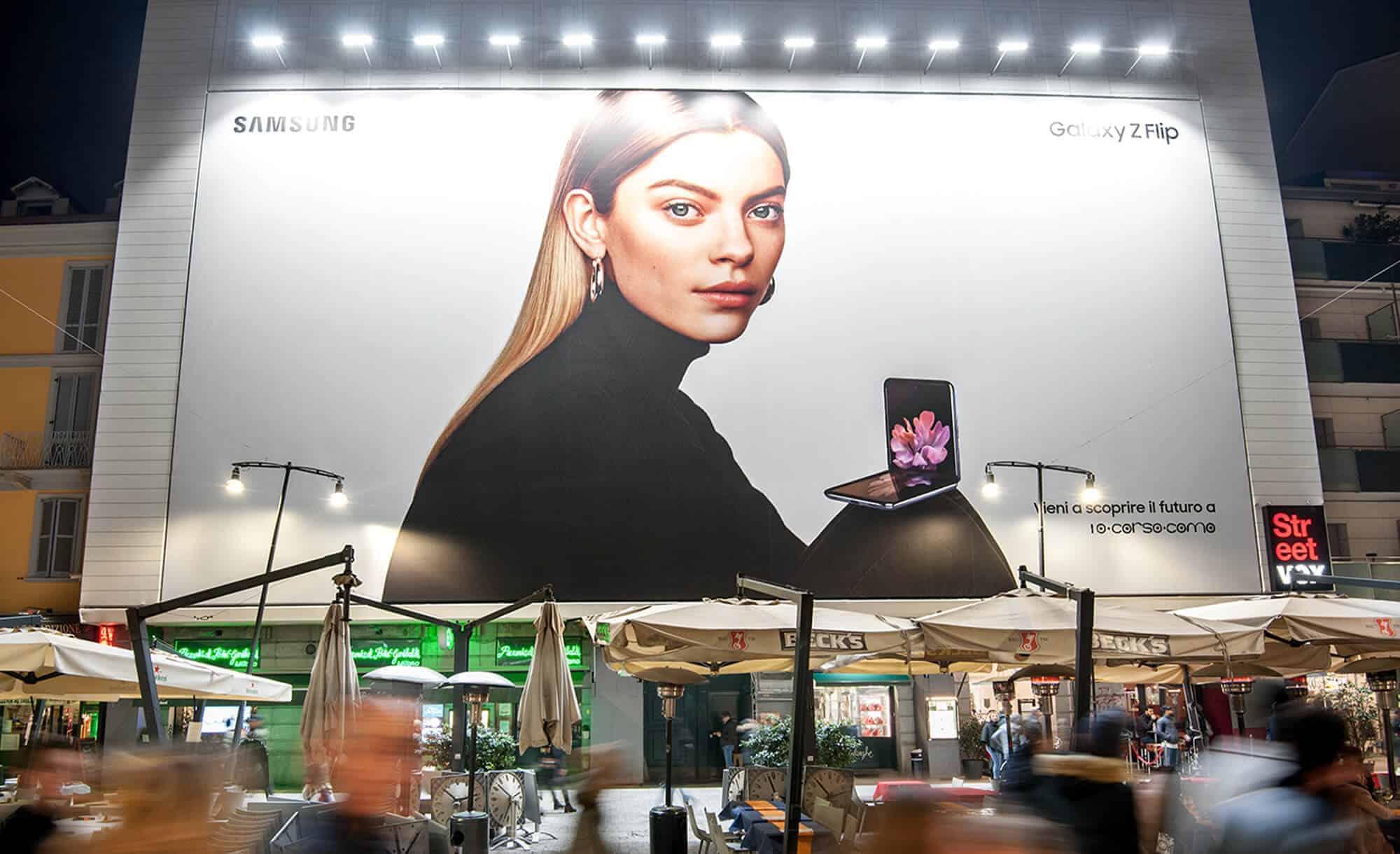 Maxi Affissione Corso Como 6 a Milano di Samsung (Technology)