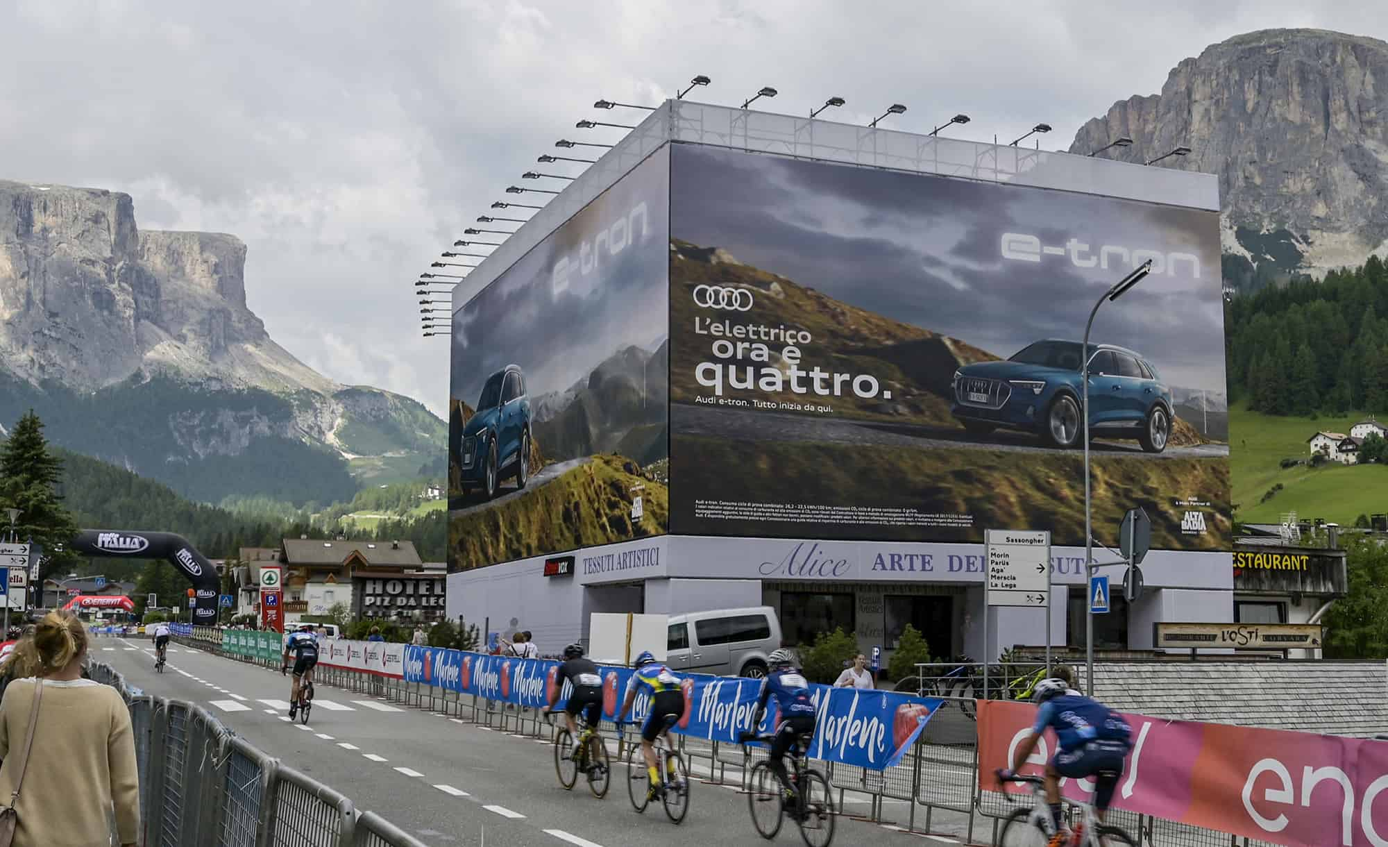 Maxi Affisione a Corvara in Alta Badia 4