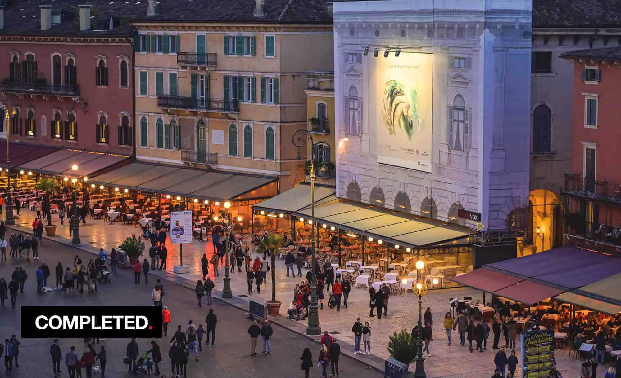 Maxi Affisione a Verona in Piazza Bra Palazzo Malfatti con Fiera Cavalli (Entertainment)