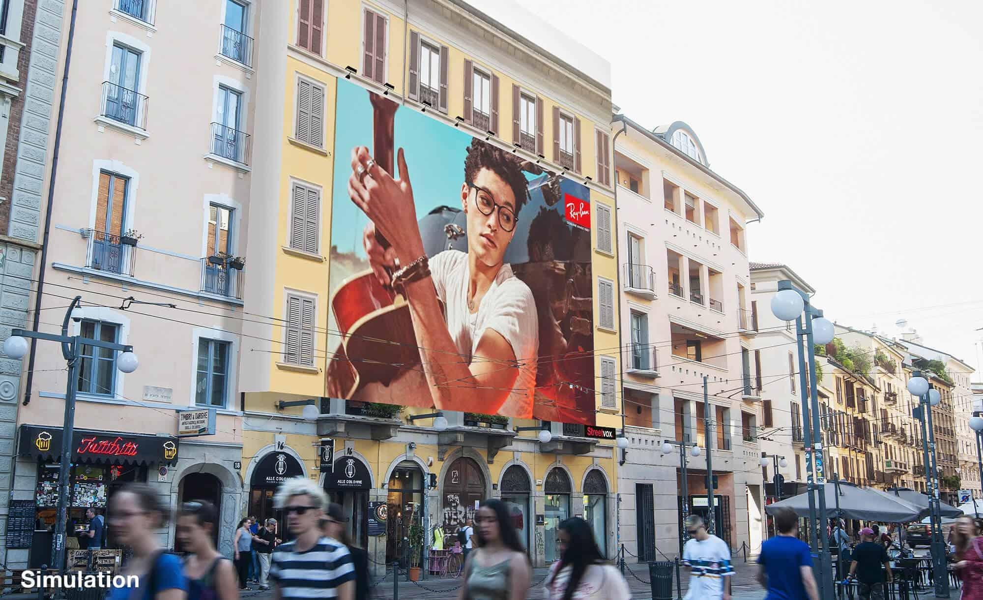 Maxi Affissione a Milano in Corso Ticinese 16 di Ray-Ban (moda)