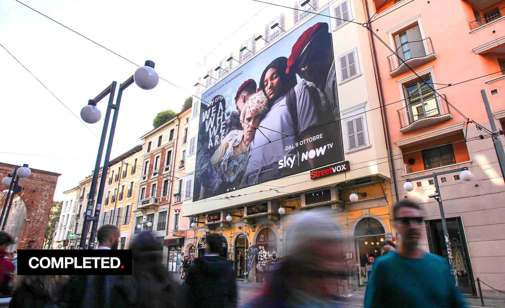 Maxi Affissione a Milano in Corso Ticinese 16 di Sky (Entertainment)