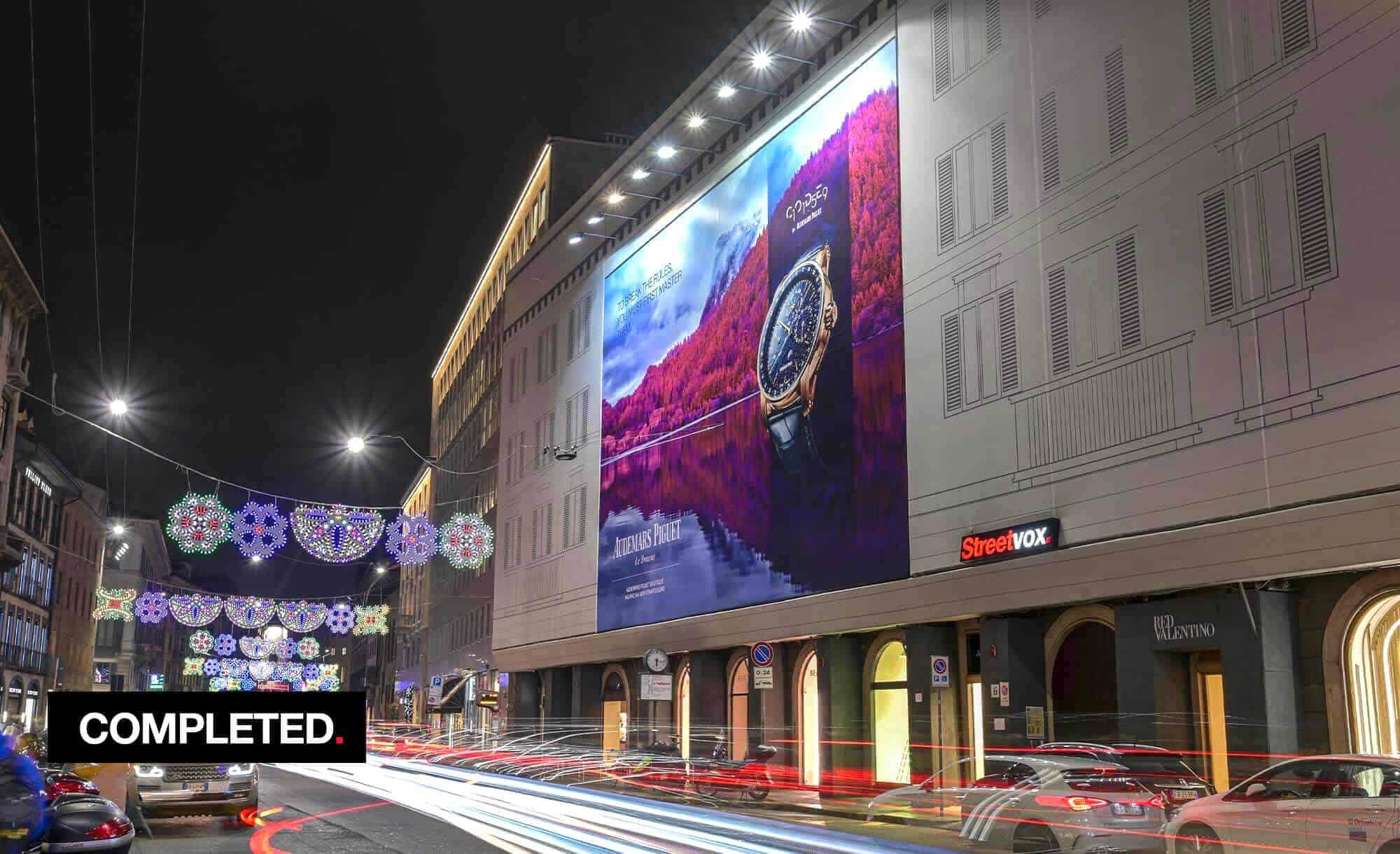 Maxi Affisione a Milano in Via Venezia 6 con Audemars Piguet (Luxury)