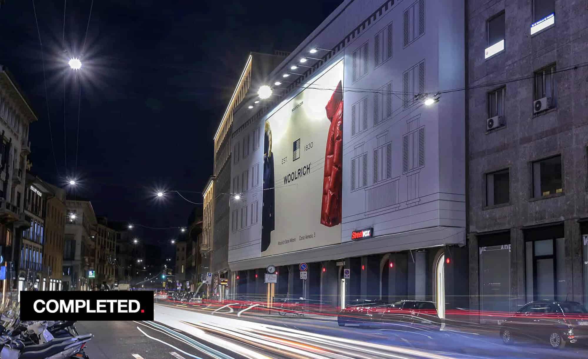 Maxi Affisione a Milano in Via Venezia 6 con Woolrich (Fashion)