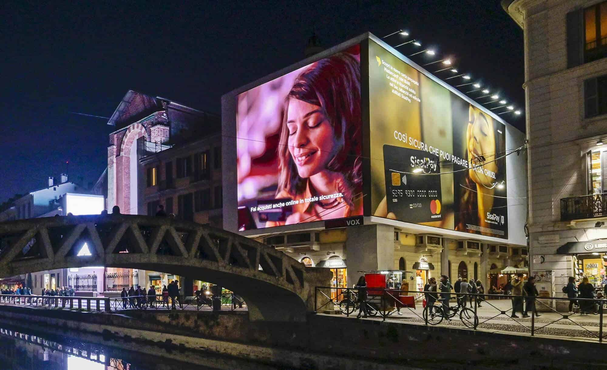 Maxi Affissione a Milano in Via Corsico 12 Navigli di SisalPay (finance)