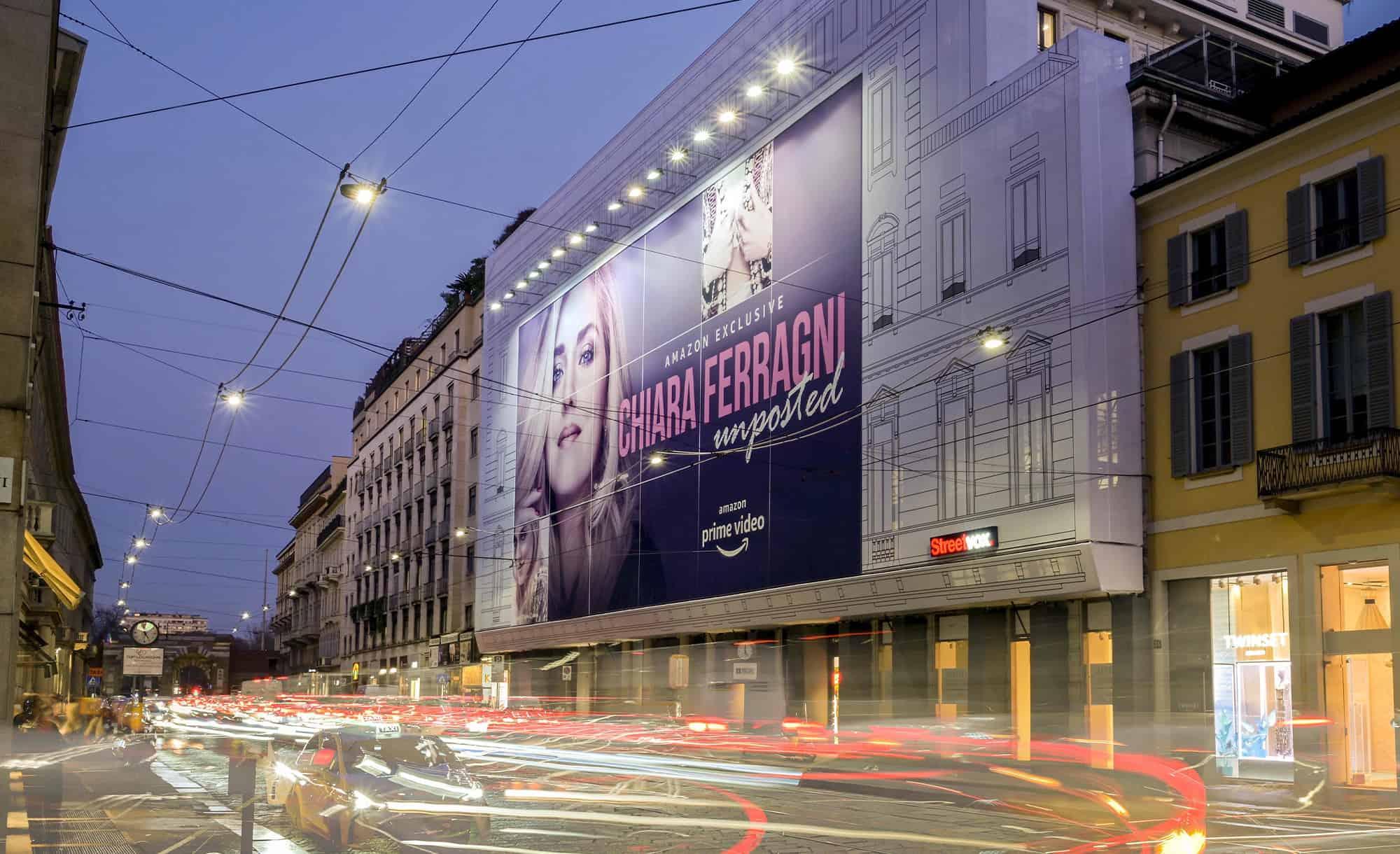 Maxi Affissione Streetvox di grande impatto in Via Manzoni 38 a Milano