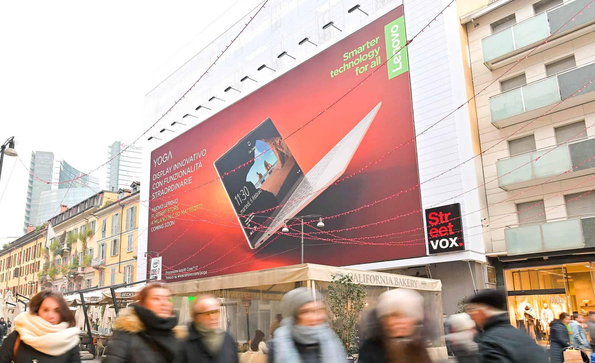 Maxi Affissione Streetvox in Corso Como 6 Milano Lenovo