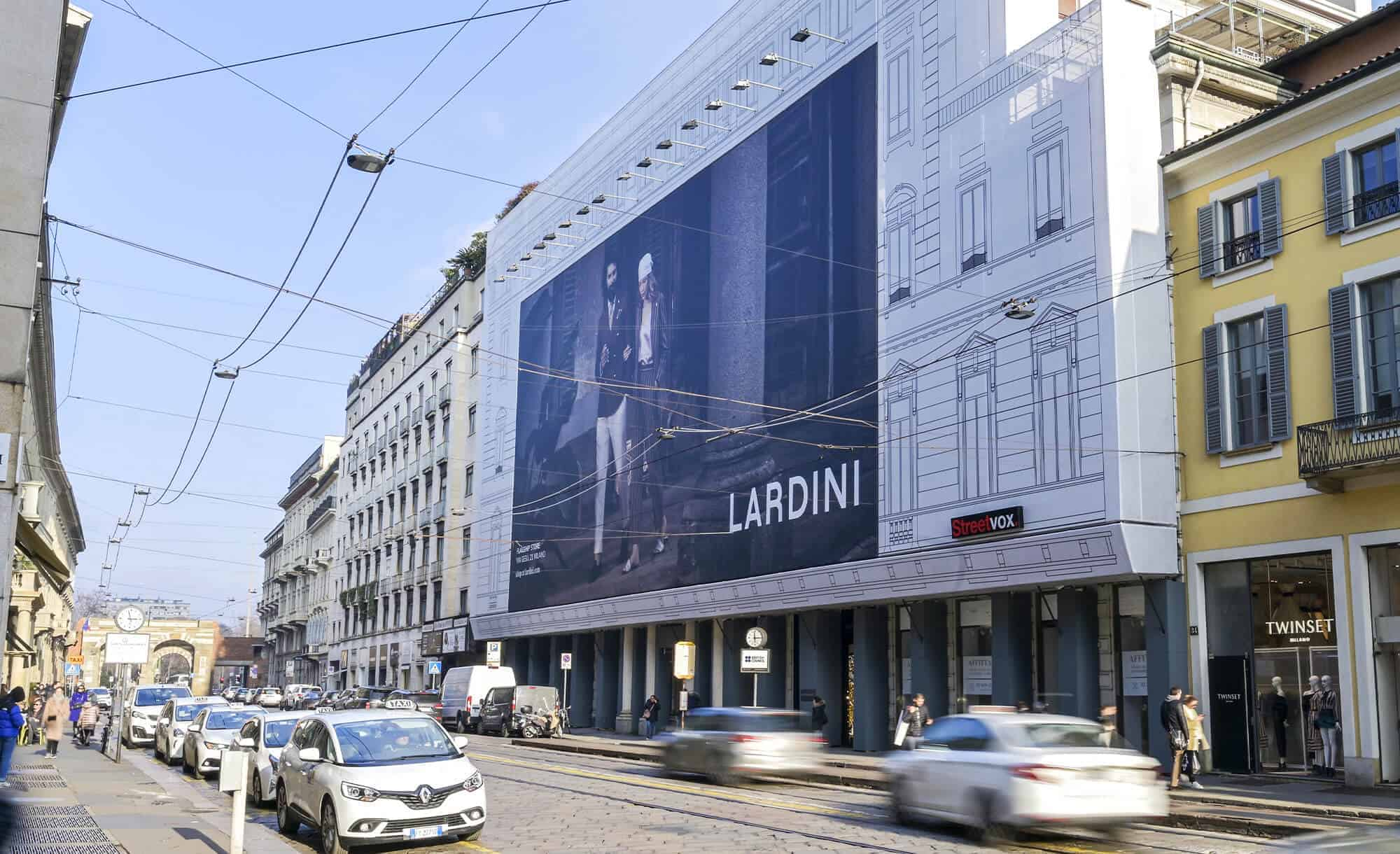 Maxi Affisione a Milano in Via Manzoni 38 di Lardini (fashion)