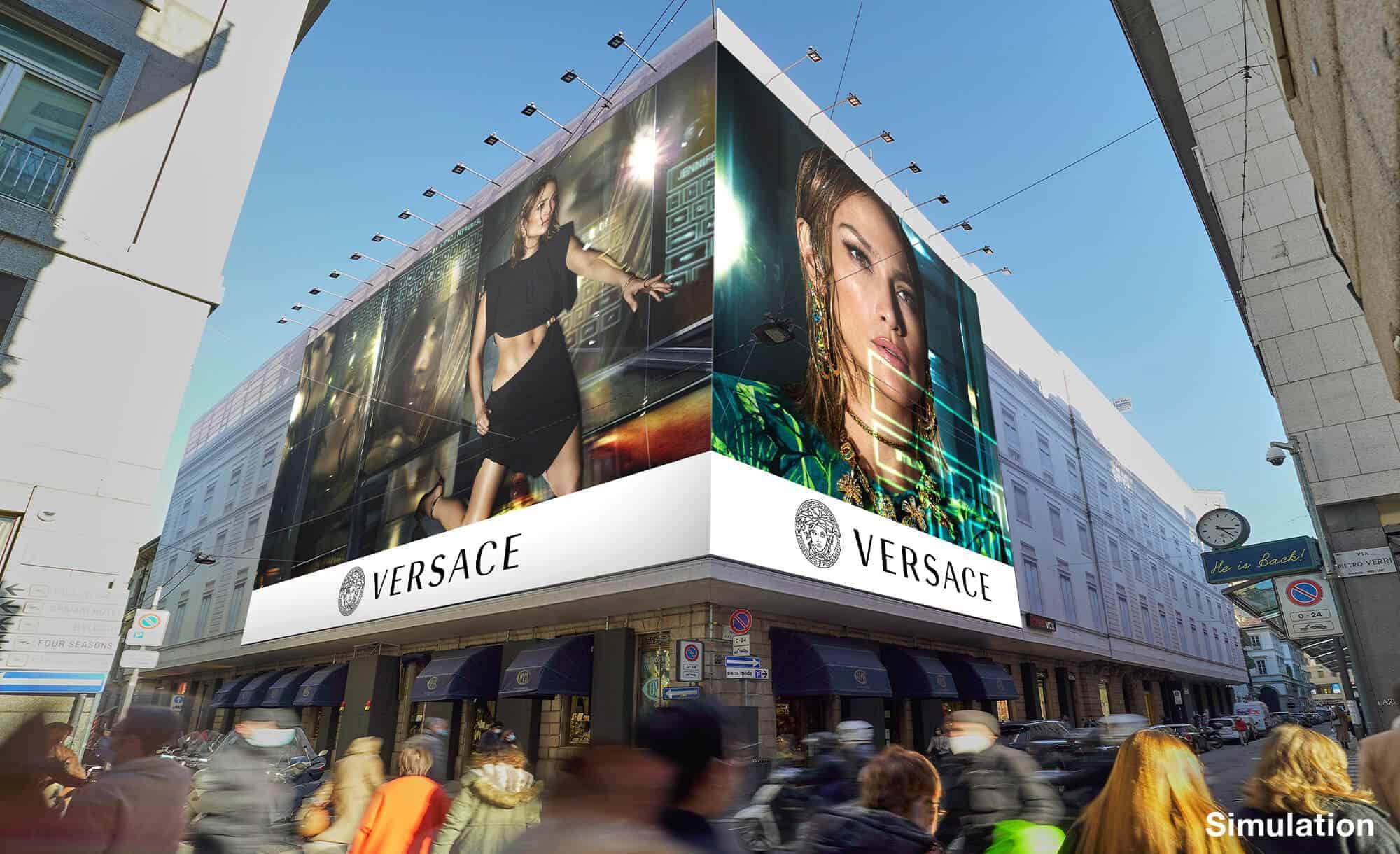 Maxi Affissione Streetvox Via Monte Napoleone 8 a Milano con Versace (Fashion)