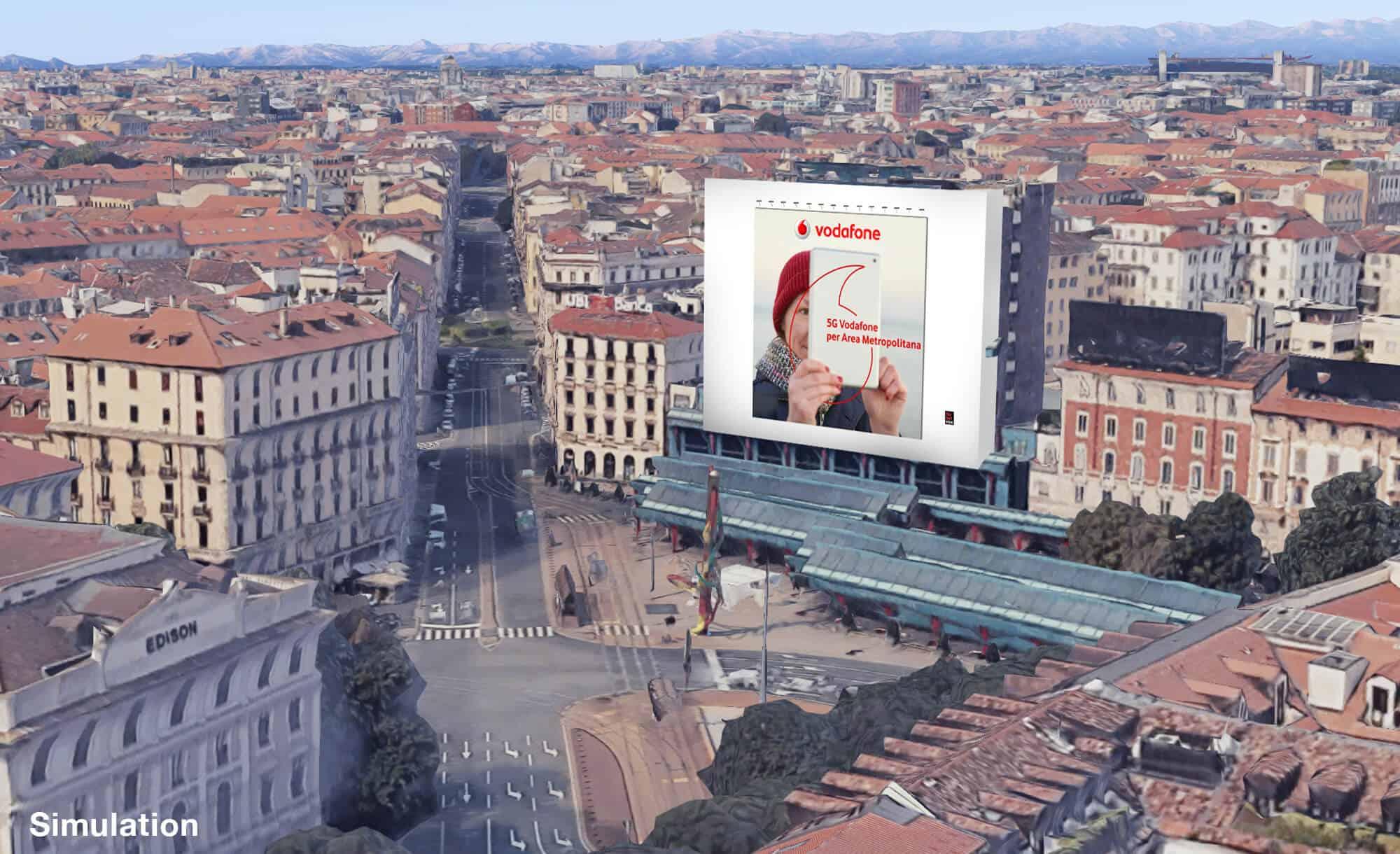 Maxi Affissione a Milano in Piazza Cadorna di Vodafone (mobile)