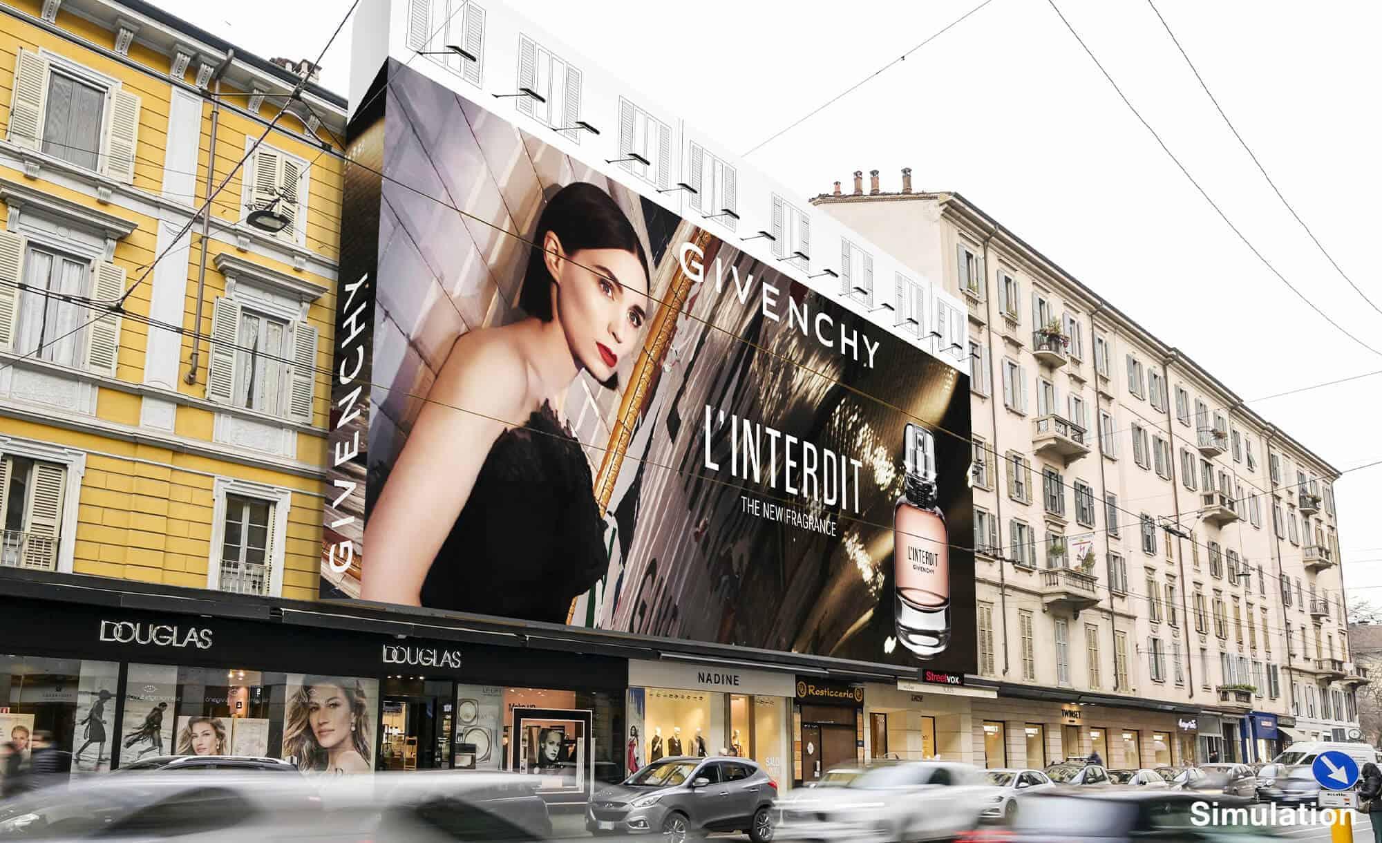 Maxi Affissione a Milano in Corso Vercelli 8 di Givenchy (moda)