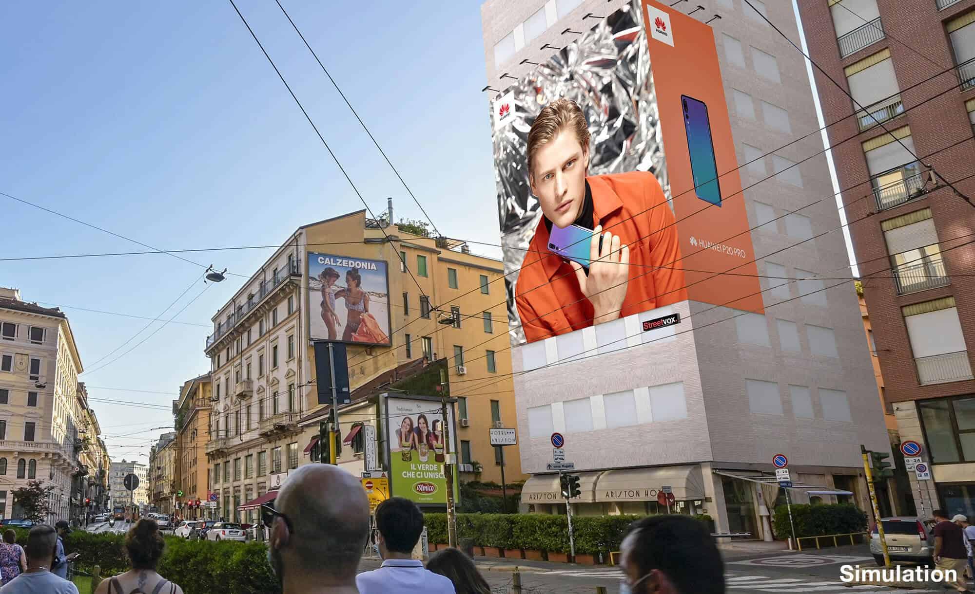 Maxi Affissione Streetvox in Largo Carrobbio su Hotel Ariston a Milano con Huawei (Technology)