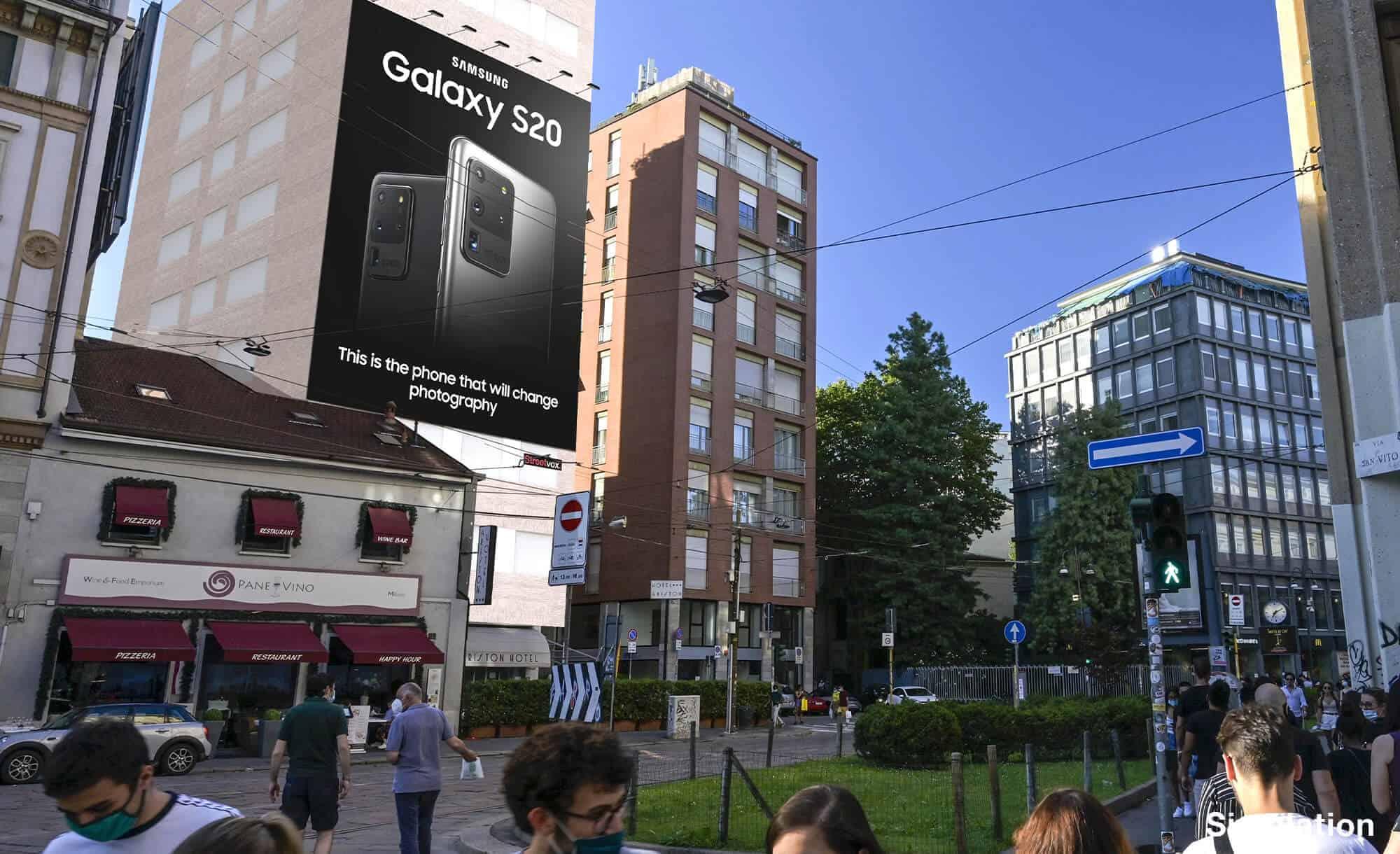 Maxi Affissione Streetvox in Largo Carrobbio su Hotel Ariston a Milano con Samsung (Technology)