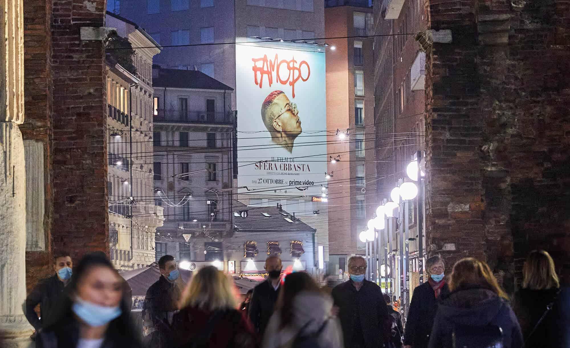 Maxi Affissione Streetvox in Largo Carrobbio su Hotel Ariston a Milano con Sfera Ebbasta Amazon (movie)