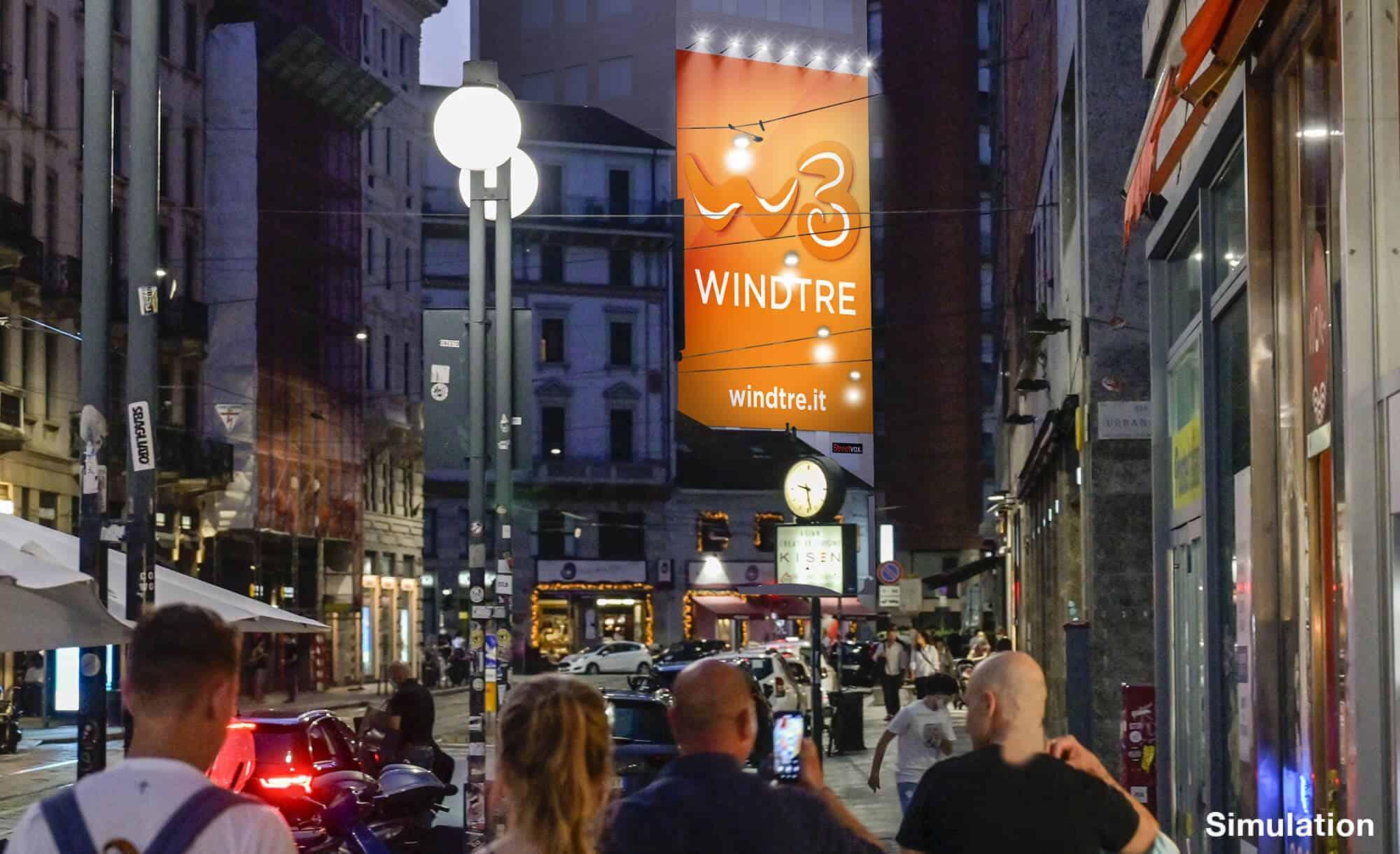 Maxi Affissione Streetvox in Largo Carrobbio su Hotel Ariston a Milano con Wind3 (Mobile)