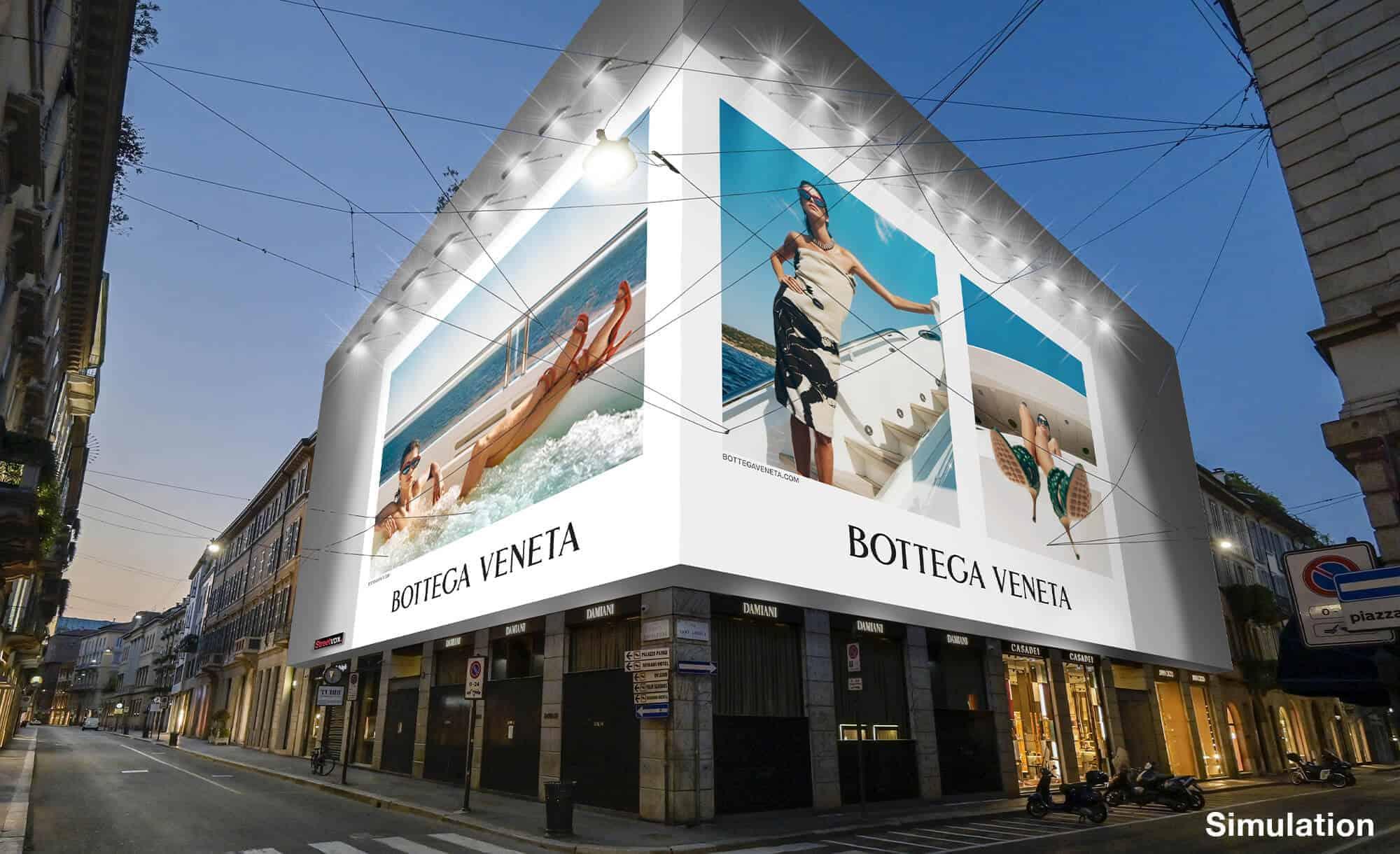 Maxi Affissione a Milano in Via Monte Napoleone 10 di Bottega Veneta (fashion)