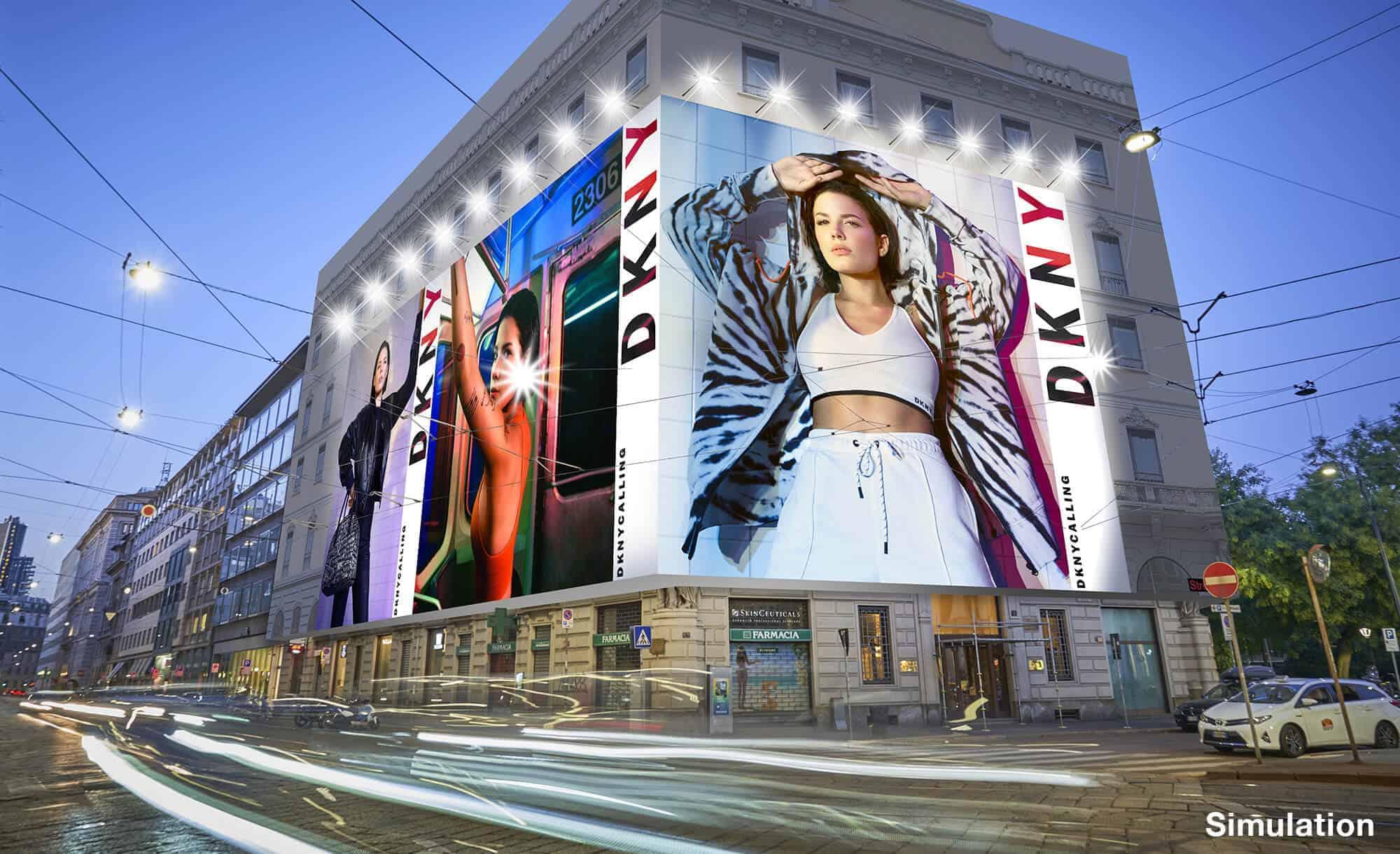 Maxi Affisione a Milano in Piazza Cavour 5 con DKNY (Fashion)