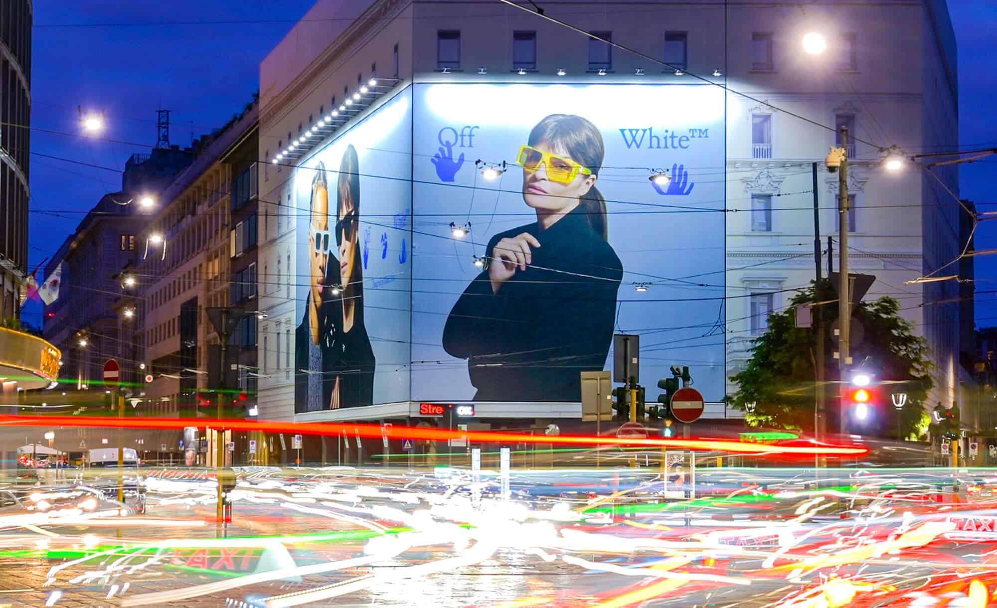 Maxi Affissione a Milano in Piazza Cavour 5 con Off-White (Fashion)