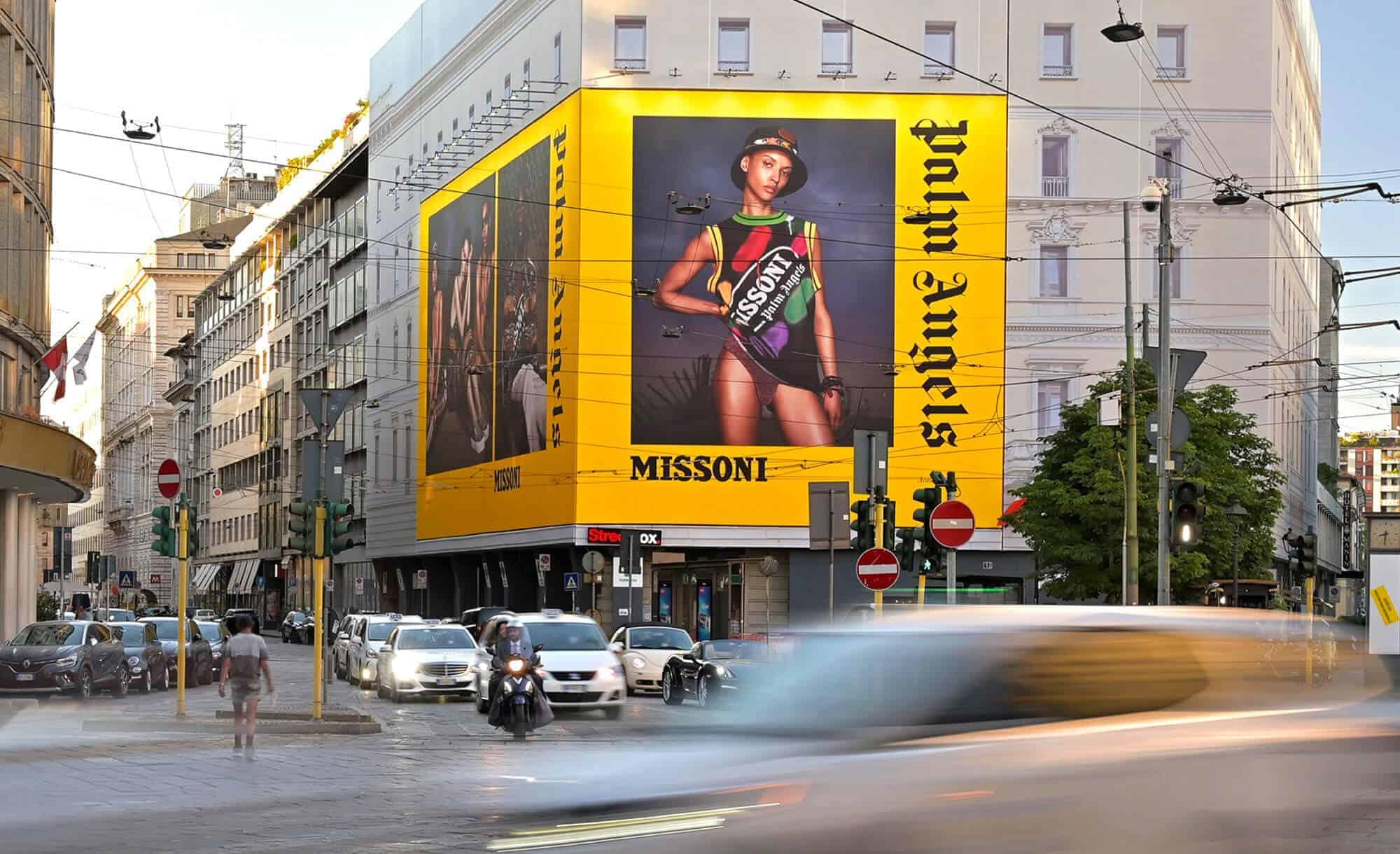 Maxi Affissione a Milano in Piazza Cavour 5 con Palm Angels e Missoni (Fashion)