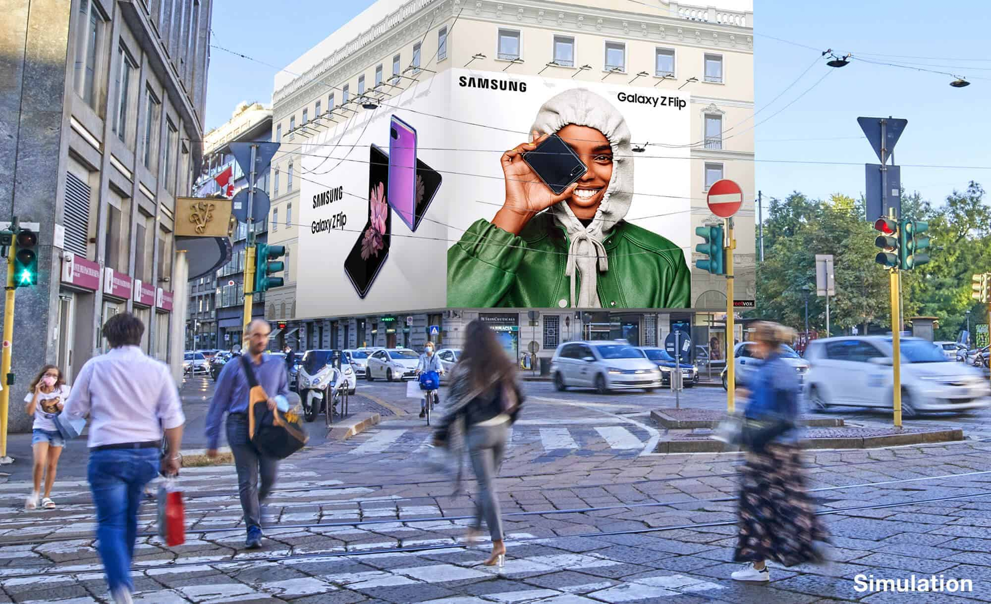 Maxi Affisione a Milano in Piazza Cavour 5 con Samsung (Technology)