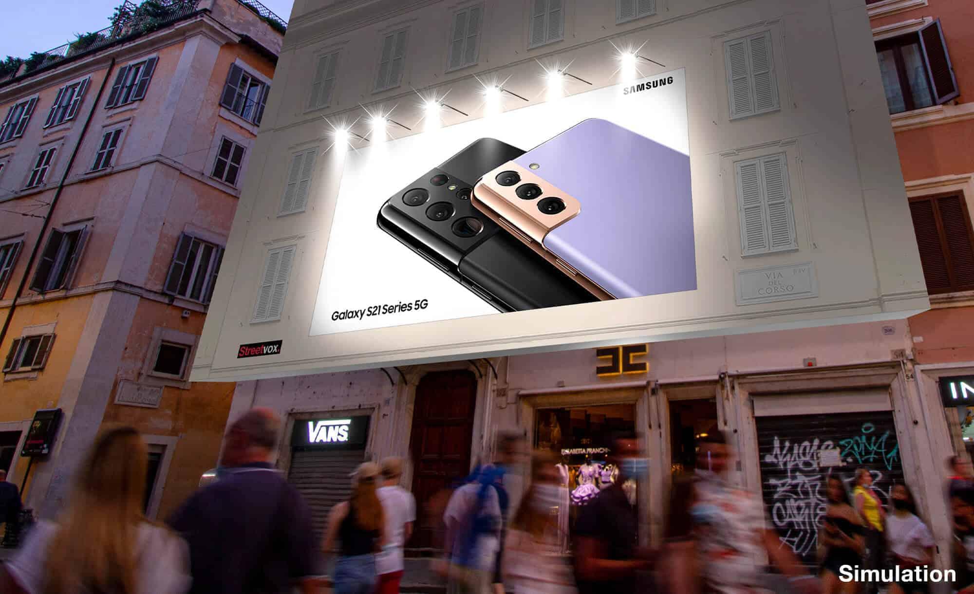 Maxi Affissione a Roma in Via del Corso 52 con Samsung (Technology)