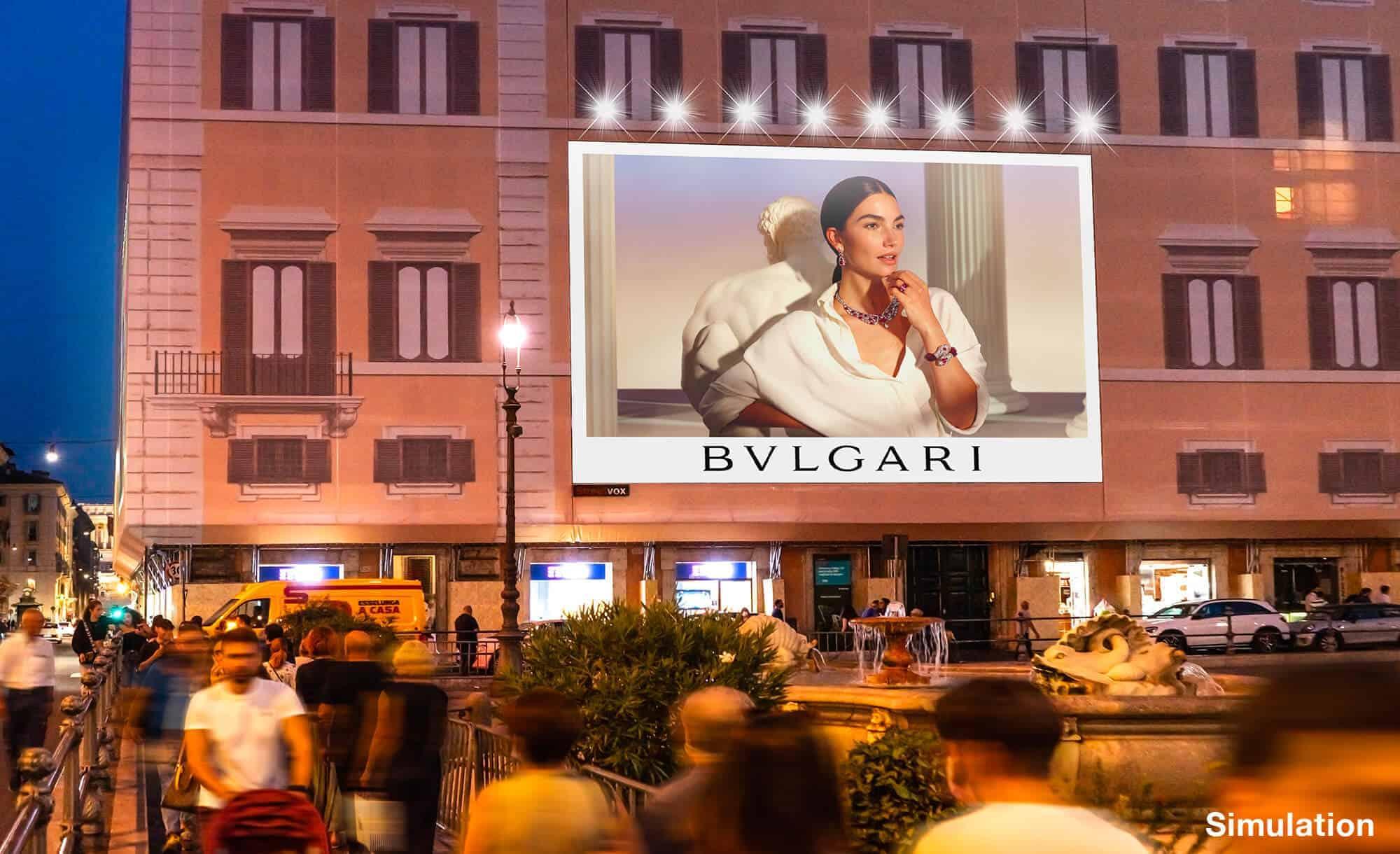 Maxi Affissione a Roma in Piazza Colonna con Bulgari (Fashion)